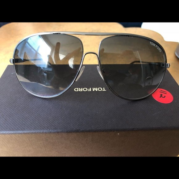 cdfaa0f50de16 Tom Ford Cliff Sunglasses. M 5be30a277386bc780e42a1e9